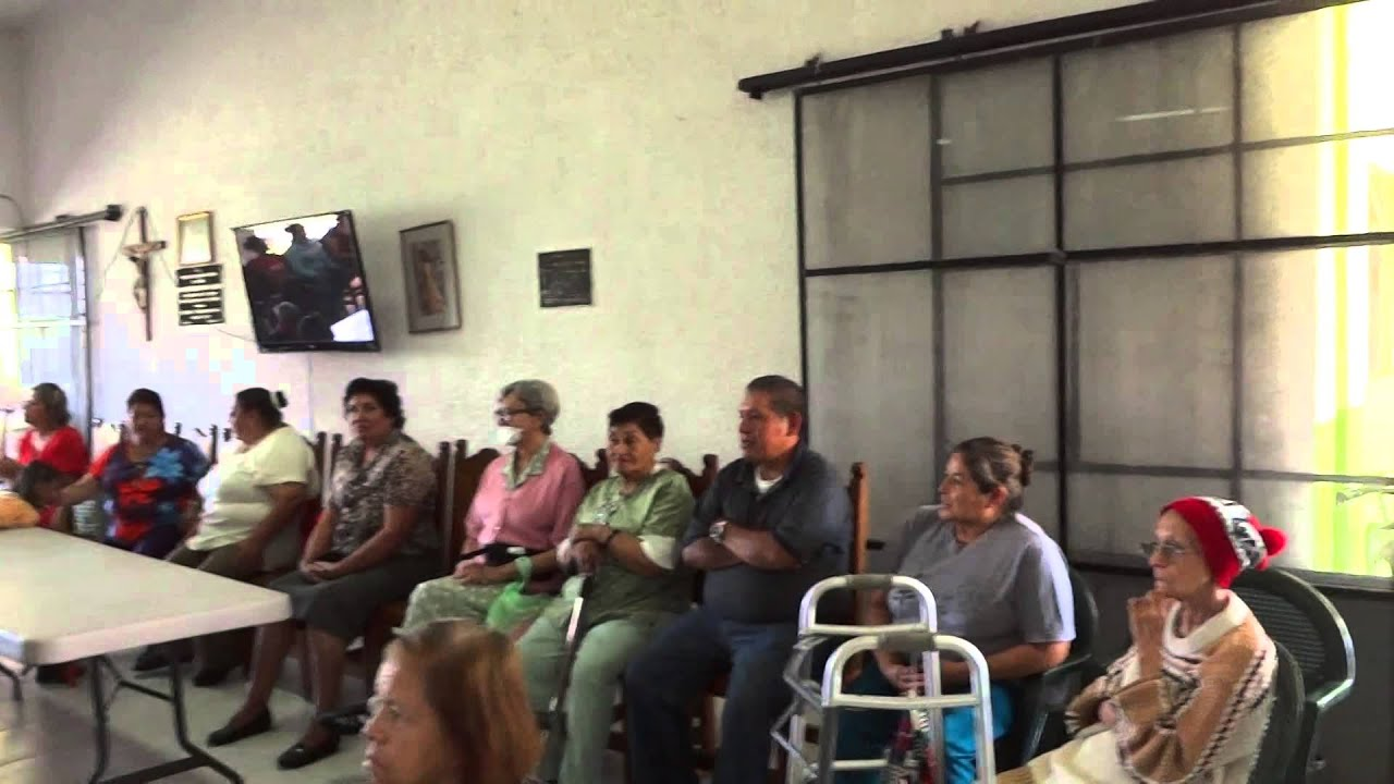 Artistas Unidos de Irapuato visitan la Casa Hogar La Paz - YouTube