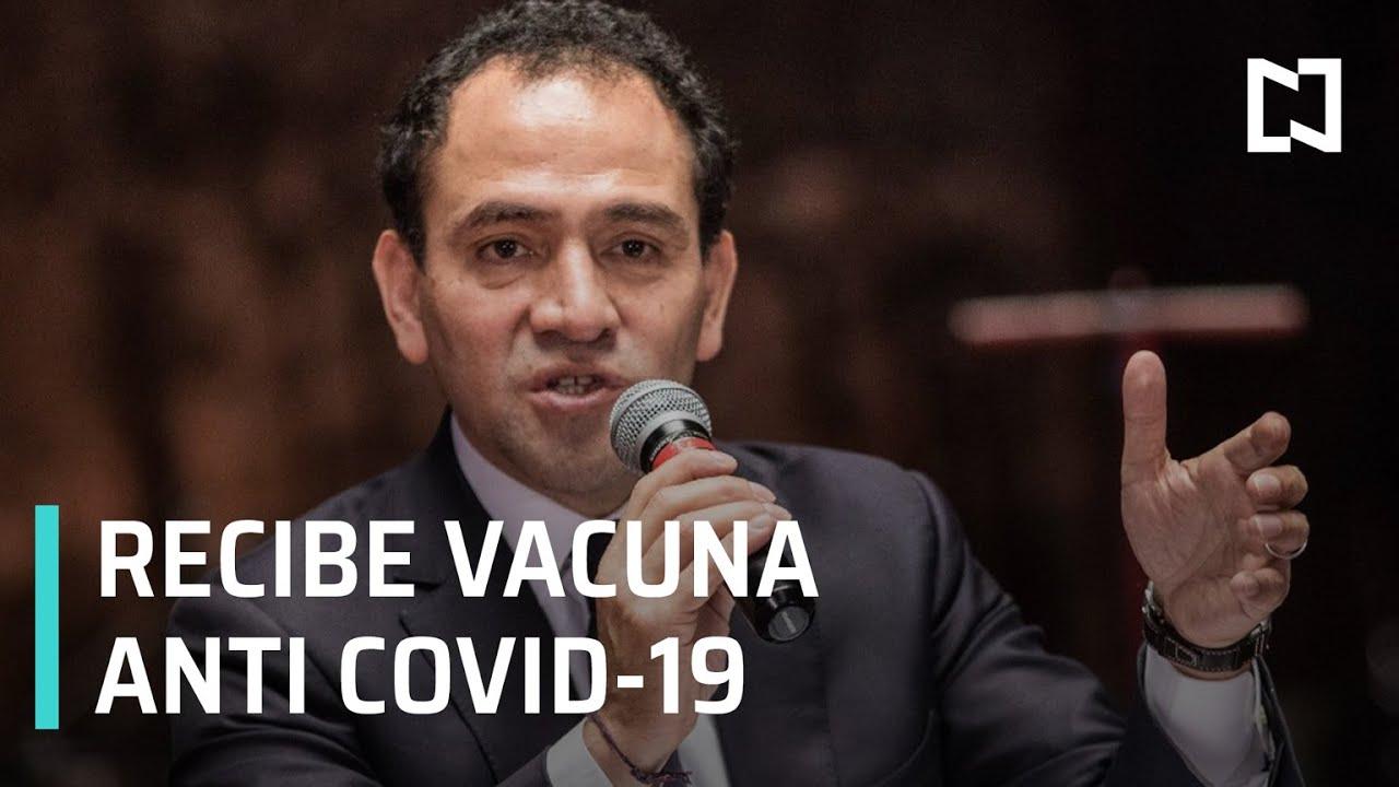 Arturo Herrera se vacuna contra la Covid-19 - Noticias MX