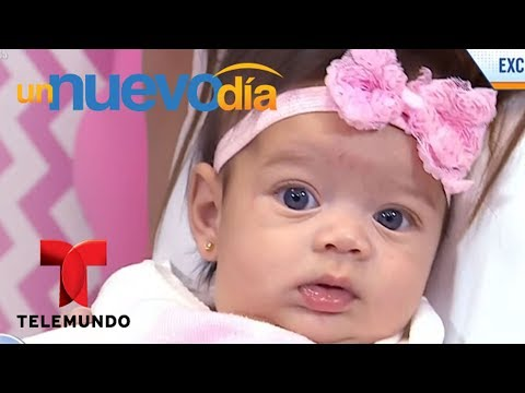 ¡Daniella Navarro nos presenta a su hija Uguiella! | Un Nuevo Día | Telemundo thumbnail