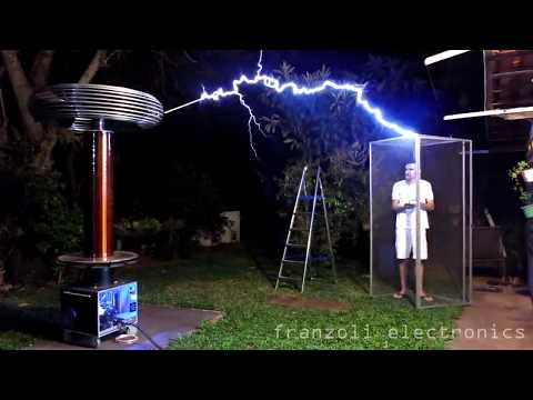 The Woody Show - Daft Punk on Large Singing Tesla Coil