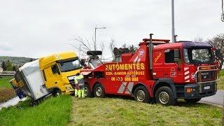 Kivontatták a Gyöngyös-patak medrében felborult kamiont Kőszegnél