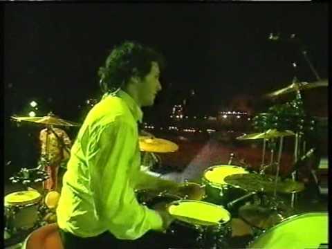 R.E.M. - Its The End Of The World (Live 2001 Köln)