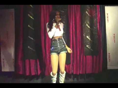 Roxy Wood performing