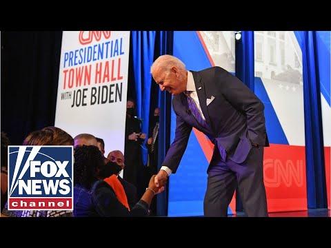 Biden mocks pushback of vaccine mandates on CNN Town Hall