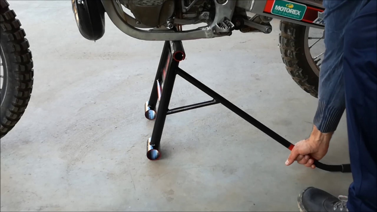 Cavalletto basculante mx homemade mx stand youtube for Cavalletto alzamoto fai da te