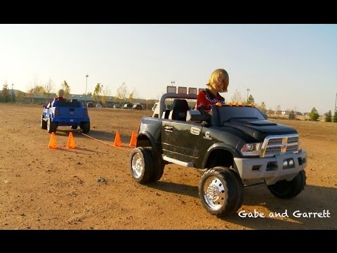 Power Wheels Tug Of War 1 - Ford F-150 Vs Dodge Ram