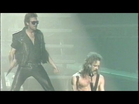 Metallica feat. Animal - Live Debut of 'So What' at Wembley Arena (1992)