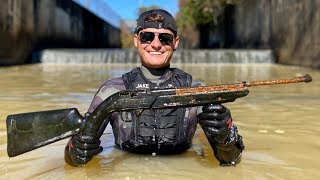 Searching for Murder Weapons in a Shallow Canal! (7 Guns, 4 Knives and 3 Phones)