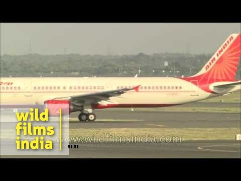 SpiceJet waits for Air India plane to land at Delhi airport