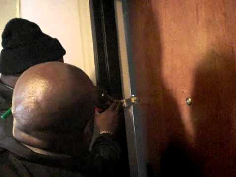 Mom locked out of Hotel Room by GloZell - YouTube