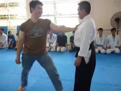 Lớp tự vệ chiều chủ nhật 20/3/2011 - Phần 4/19 - Aikido Meidokan 合気道