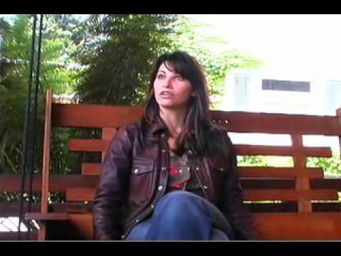 Gina Gershon Interview (2/3)