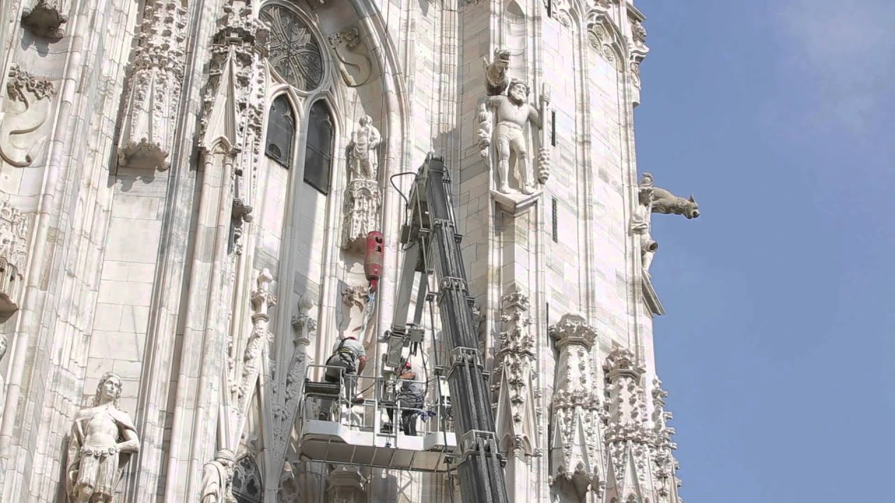 Statue of SANTA LUCIA being taken down from the Duomo di Milano ...