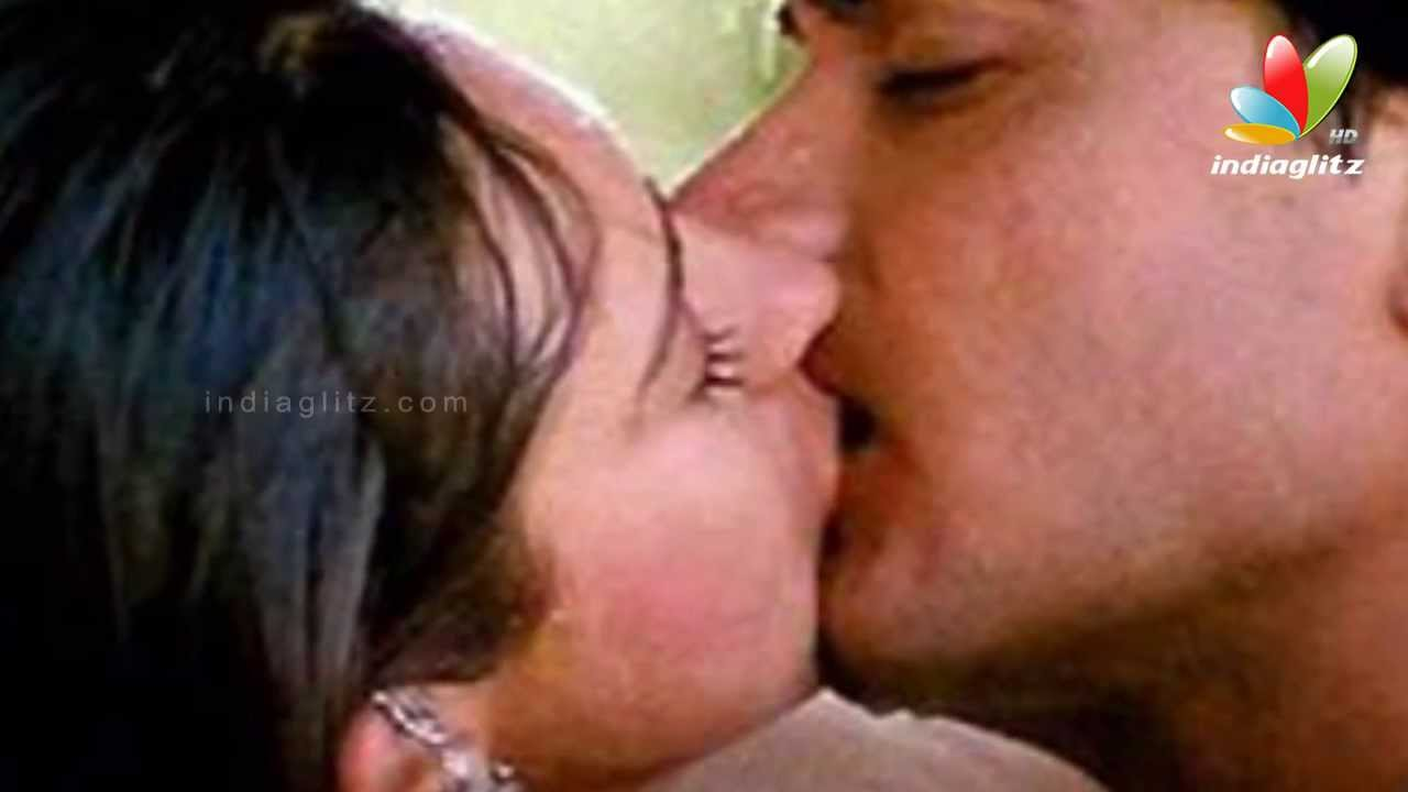 Best kissing scene in bollywood