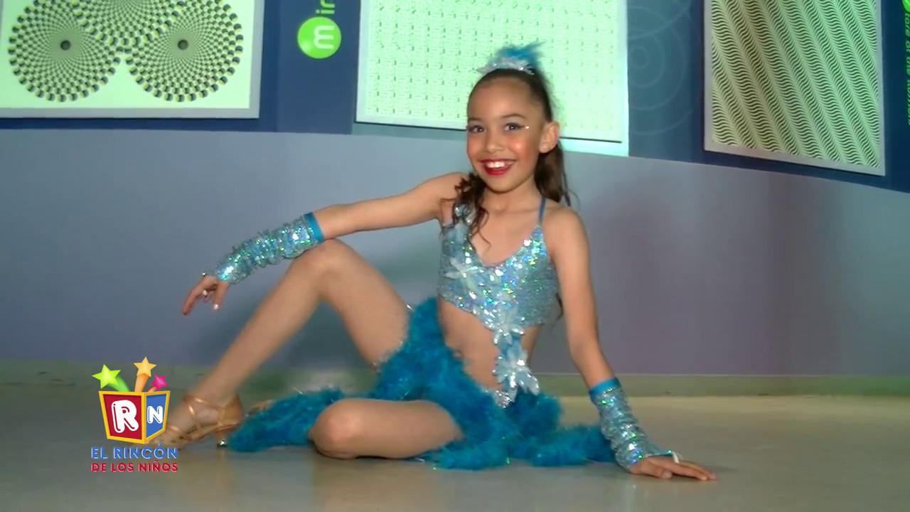 Niña de 10 años Bailando Salsa - Mar de la Rosa