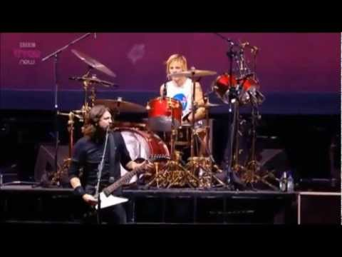 Foo Fighters - Monkey Wrench (Live at Reading Festival 2012)
