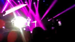 Zehnaseeb - Vishal Shekhar Live in Dubai 29-Aug-2014