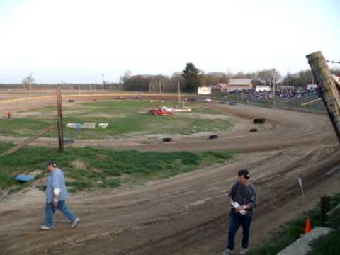 Shadyhill Speedway Bare Foot Mini 1st heat race