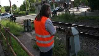 Die Eisenbahner vom Bahnhof Sömmerda beim Rangieren - Da, wo noch ganze Kerle gefragt sind
