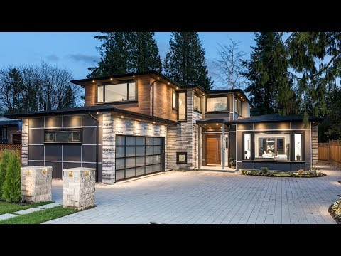 1275 Bedford Court // North Vancouver // $4,198,000