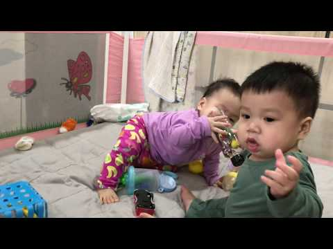 Best Funny Baby | The baby is drumming | Funny Twins Baby Video | Thoc Gao TV