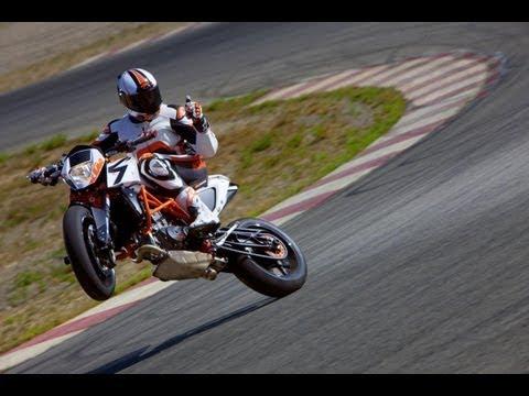 Premiere KTM 690 R Duke Eicma 2013