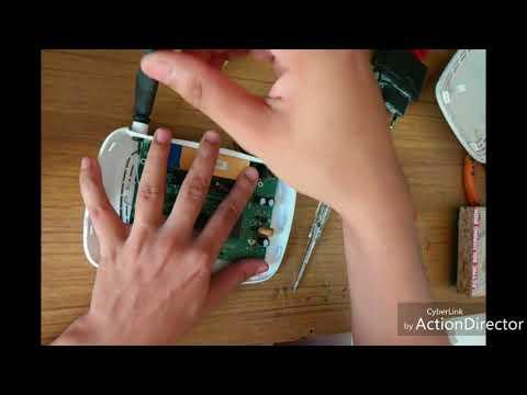 Repairing WiFi Modem Blown Fuse | FunnyCat TV