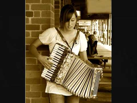 Occhi chorni Очи Чёрные on accordion Russian Gypsy music