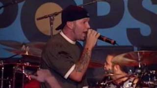 Limp Bizkit - Take A Look Around Live @ Top Of The Pops 2000