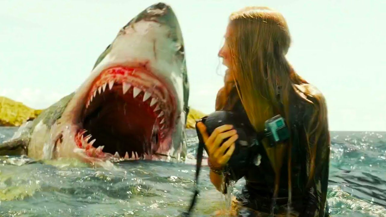 The Shallows | Scariest Scene (White Shark Attack) - YouTube