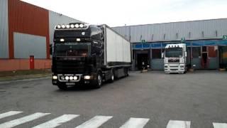 Scania v8 Mise à quai