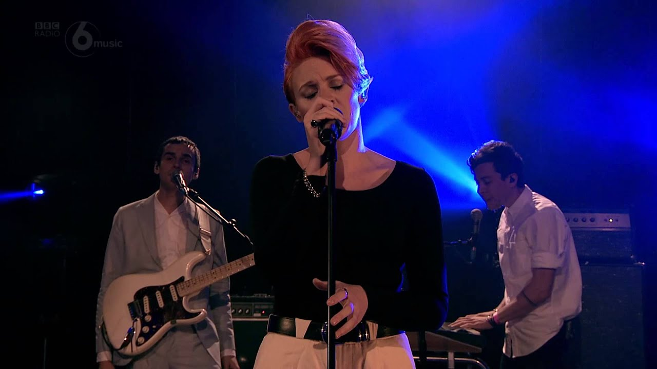 La Roux - Let Me Down Gently (6 Music Live October 2014)
