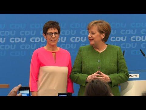 Angela Merkel prepara sua sucessão na Alemanha