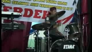 HUKUM RIMBA (reggae) vocal GUFRON SAVANA & Anton live majan