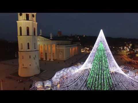 Kalėdinė Vilniaus eglė iš paukščio skrydžio