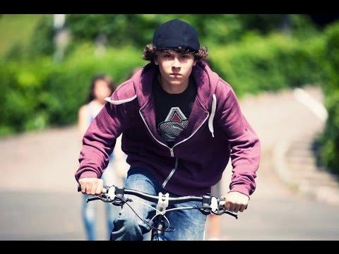 El rap de Aron Piper en '15 años y un día'