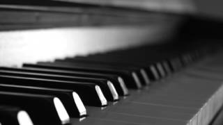 Long Playlist of Peaceful Piano Covers of Popular Songs