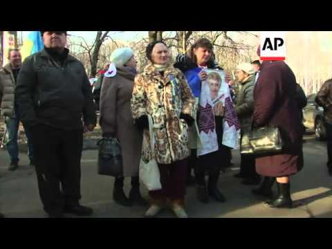 Coffins in Independence Square, reaction to imminent release of Tymoshenko; Kharkiv reaction