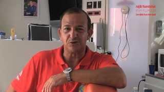 Najib Amhali assisteert tandarts Wouter Vriesman in Nador Marokko sept2013