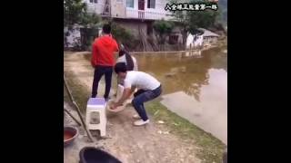 crazy chinese guy funny video