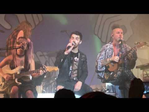 "DNCE - ""Jinx"" (Live in San Francisco)"