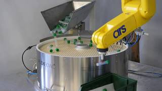 Medical Plastic Containers - FlexiBowl® - Fanuc Feeding Solution