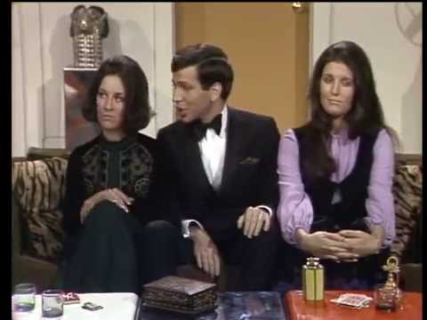 Deana Martin, Lucie Arnaz, Frank Sinatra Jr & Meredith MacRae - Side by Side by Side