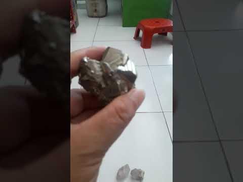 Batu Californium &Cristal kuarsa