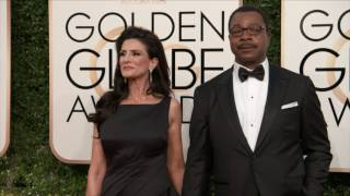 Golden Globes 2017 Fashion Cam Arrivals: Carl Weathers, Lily Collins
