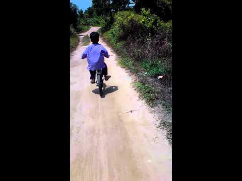Aa' Fathan Belajar Sepeda Sesi II