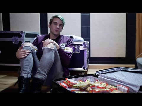 Vinyl Theatre: What To Pack - Keegan