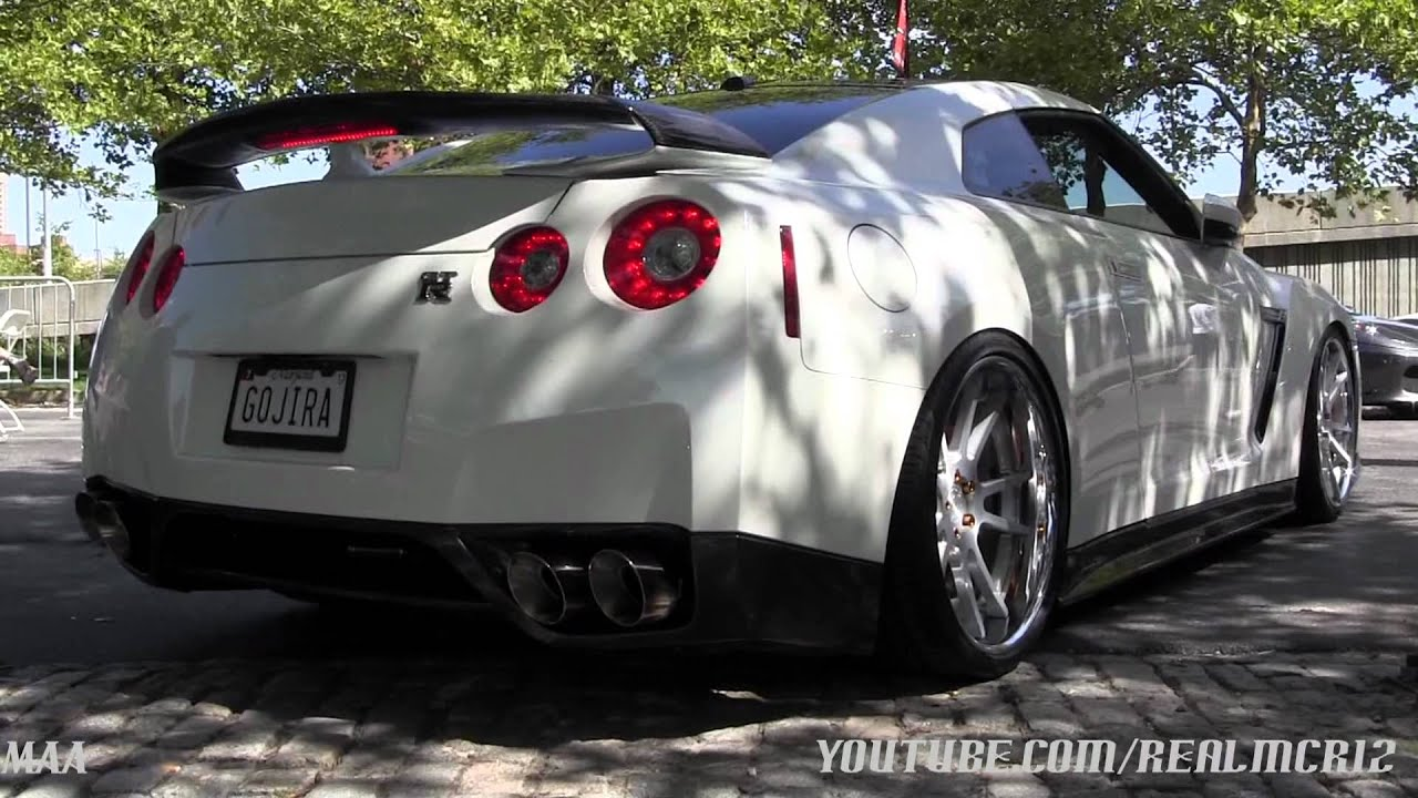 tuned nissan gtr r35 nissan skyline gtr r34 youtube. Black Bedroom Furniture Sets. Home Design Ideas