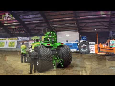 Superstock 2020 indoor tractorpulling Zwolle