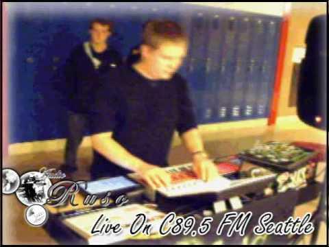 Ruso Live On C89 5 FM Seattle 7 26 09 chunk 1